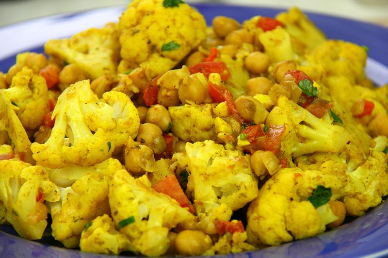 Vegetarian Cauliflower With Chickpeas Curry Recipe. | CaribbeanPot.com